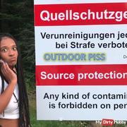 Outdoor pissing in Austria