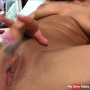 Playing with my juicy pussy ! wanna  here and give it a lick ?!