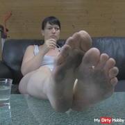 Dirty soles - eat yoghurt