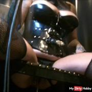 Dominatrix Lady Vampira used her Toilet Slave in the Rubberrroom