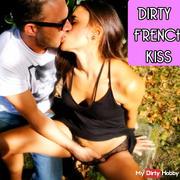 French kiss très hot