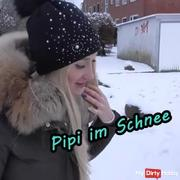 PIPI in the snow