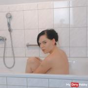 Do you feel like bathing with me?
