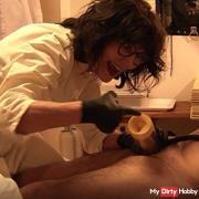 Venus 2000 - The slave is milked by Mistress Syrkay