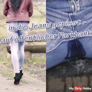 pissing in jeans - on oöffentlicher park bench