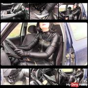At full throttle! 4. (Leather wife behind the wheel)