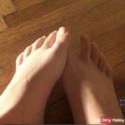 Foot erotic bare feet