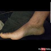 Come worship your Goddess's feet