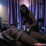 Lederherrin milks her slave virgin90 man off!