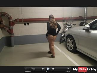 I show my butt in a public garage