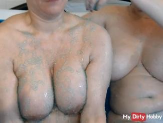 Badespass mit meiner Freundin