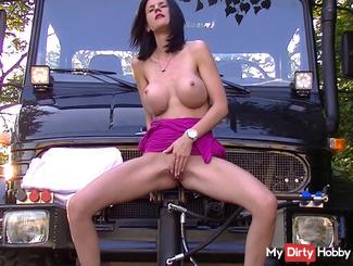 Horny Piss Unimog
