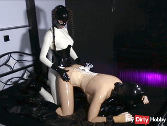 Inflatable mask for Latex Lea with Anal Plug