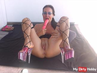 Wanking with dildo in high-heels, part 1