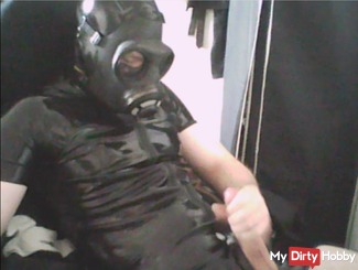 Latex Masturbation with gas mask