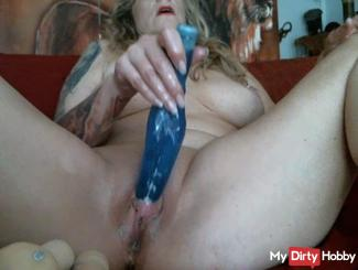 Mega Pussy cream outflow during Dildowichsen X dildos !!