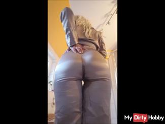 Satin - Before sleeping, go back into the pants peed