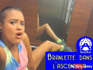 Branlette dans l'ascenseur