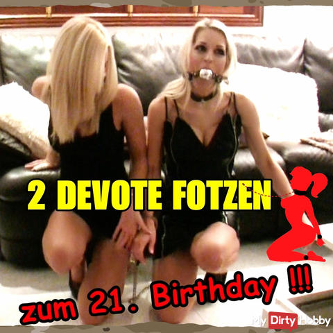 Two submissive pussies used for the 21st Birthday !!