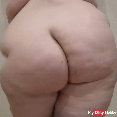 User request 2 ass wiggle in standing