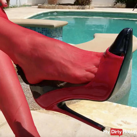 In the heels squirt, nylon Wixxnutte!