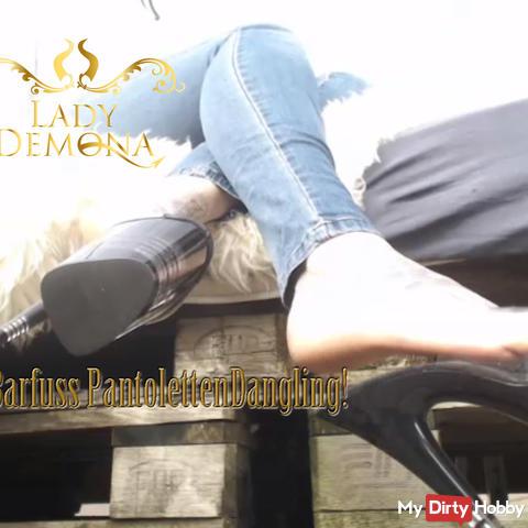 POV! Barfuss Dangling in Pantoletten!     by Lady_Demona