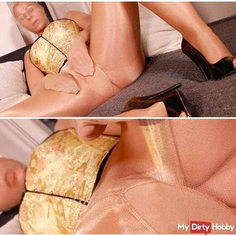 Deviated pussy with golden dildo in Nylonencasement