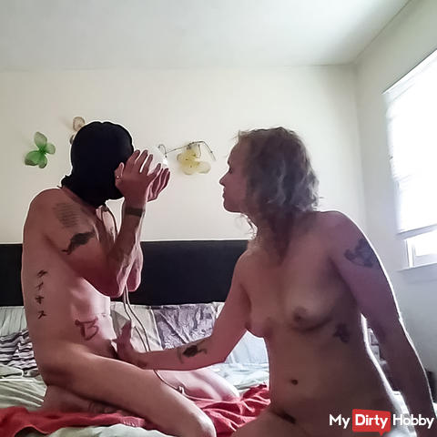 QuinnN0x uses her slave 4 of 7
