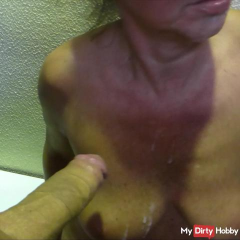 Blowjob, fuck and creampie in the locker room