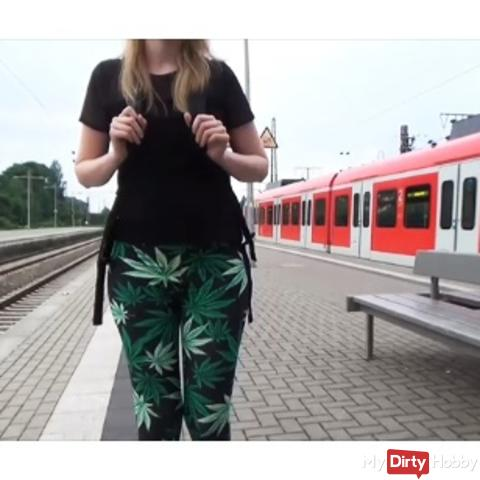 Before school !!! Sick train ride * Blowjob + Cumshot *