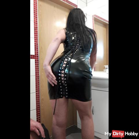Latex ass ...