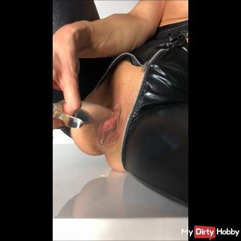 my first video in the catsuit for you
