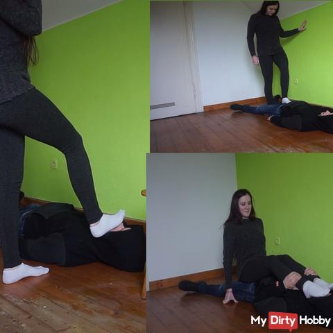 Anna. Rub white socks on the face and tail. Part 3 of 6