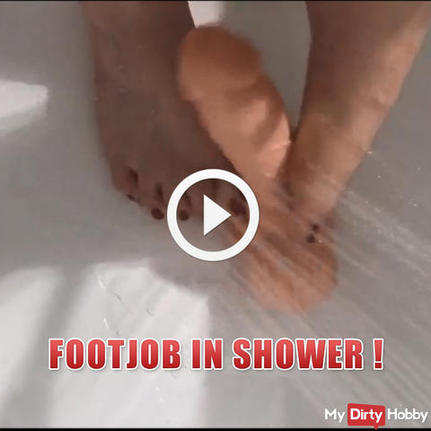 Footjob in shower !