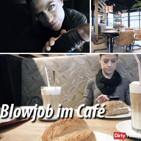 Blowjob im Café