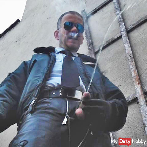 LeatherCop18 Cigar&Piss