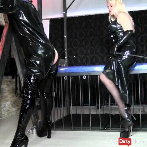 And Lady Cynthia´s Latexslave 1