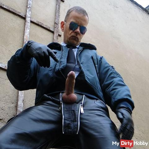 LeatherCop13 CockPlay XL & Piss