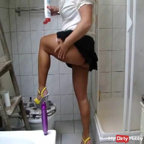 I can also clean on HIGH HEELS !!!!
