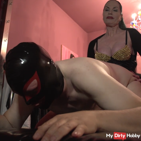 my slave get's fucked