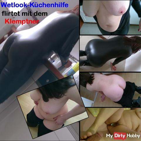 Wetlook kitchen help flirts with the plumber until feetjob