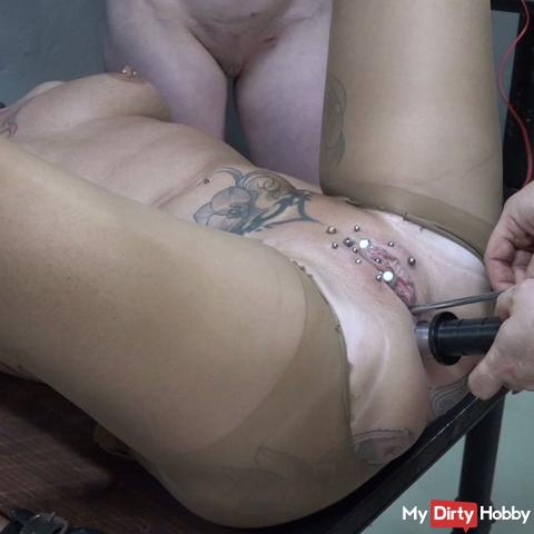 Piss hole fucked with electricity