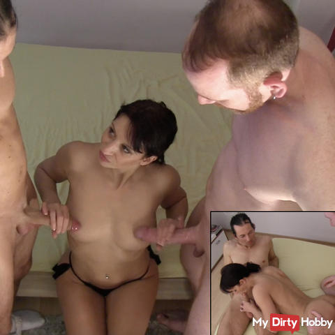 Her 1 threesome 2x 25cm fucked !!!