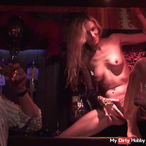 Miss Mia taps fresh in the bar