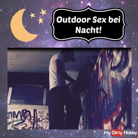 Outdoor Sex bei Nacht