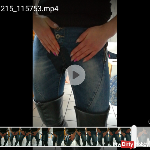 User-desire video: pissing in the tight jeans