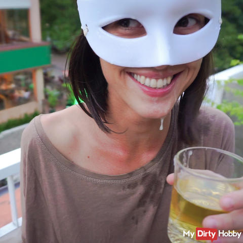 Piss Drinking.... with a facial!