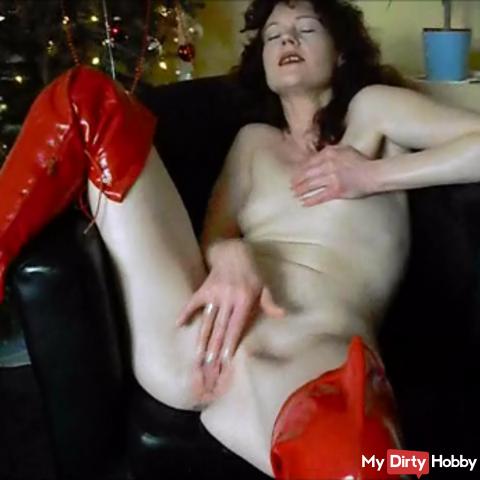 Jacking down Christmas tree