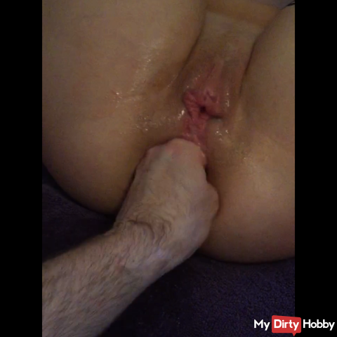 Horny Anal fisting on cam