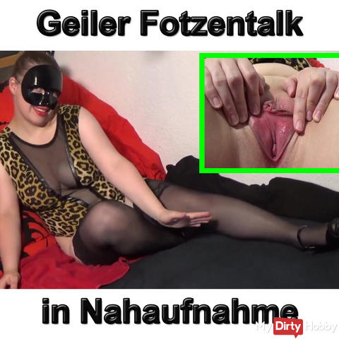 Teen makes horny Fotzentalk with close-up